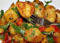 Вкусная тушеная картошка с овощами